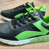 Классные кроссовки качественные, лёгкие и удобные.