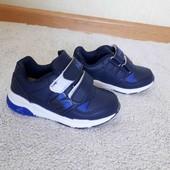 нові кросівки 26 рр.  15.7 см