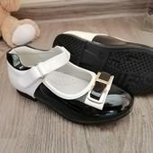 Лакові туфельки для дівчинки 25-26 р.