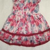 Красиве плаття для дівчинки на 3-4 р.