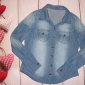 Стильная джинсовая рубашка р. М, тонкая,100% коттон