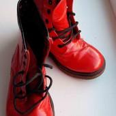 продам яркие ботинки