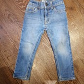 Oshkosh джинсы шикарные на 2 годика на рост 92-98