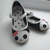 Красивые туфли панда для девочки