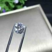 Бриллиант муассанит 0,5 карат 5 мм