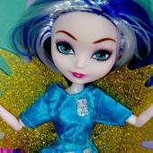 Милая кукла Ever After Hig с крыльями шарнирная, в кор 32* 6 *14см(фото реальные)