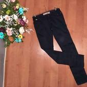 классные котоновые джинсы(смотрите фото и описание)