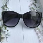 Очки Prada с матовыми дужками