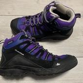 Отличные ботиночки Quechua 35 размер стелька 22,5 см