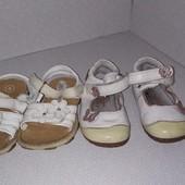 Дві пари взуття на манюню. Одним лотом Красиві лоти. Великий розпродаж. не упустіть