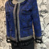Красивый стильный пиджак! состояние нового. цвет на фото реальный!