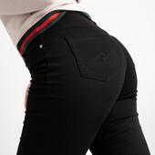 Весна! Черные джинсы стрейч, классика, полу батал, качество отличное, рр. 31