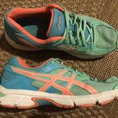 Кросівки Asics розмір 38 стелька 24 см в дуже хорошому стані