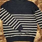 Классный свитерок р.52 состояние нового