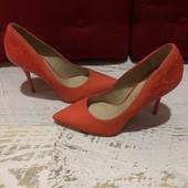 Туфлі із натурального нубука і шкіри,від San Marina,розмір 38