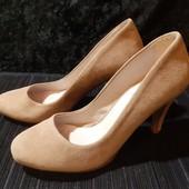 Шикарные, полностью кожаные туфли от Next, ориг. Португалия, разм. 36 (23,5 см внутри). В идеале!