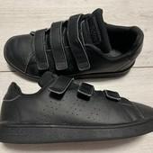 Кроссовки Adidas оригинал 33размер стелька 20,5 см