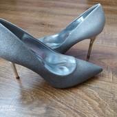 Сяючі туфлі. 39 р