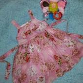 Очень красивое,цветастое платьице,на девочку 1,5-2 годика