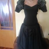 Красиве вечірнє плаття в чудовому стані!