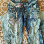 літні джинси