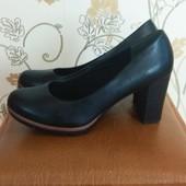 Туфли на каблуке, очень удобные, осень-весна