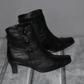 женские ботинки, полусапоги, отличное качество , эко кожа. почти новые