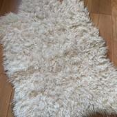 Об'ємний пухнастий коврик у відмінному стані 60*95