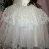 Нарядное платье на 3-4 г