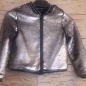 Лёгкая курточка с паетками для девочки