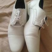 терміново гарні білі Туфли туфлі San Marina
