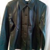 Фірмен.курточка-піджак з мягенької єко- шкіри р 48 Ідеал.стан..Заміри читайте внизу...