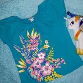 Обалденная фирменная футболочка,на девочку 7-8 лет
