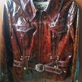 Фабричная дорогая Турция кожаная лаковая куртка на наши 54-56р. идеальное состояние