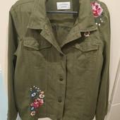 Шикарнейший модный молодежный пиджак LC Waikiki. Красивенная вышивка, идеал состояние! наши 52-54р