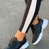 супер классные кожаные женские кроссовки 37