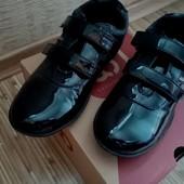 Туфли на девочку в отличноем состоянии на стопу 20 - 21,5 см