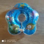 Круг для купання немовлят.