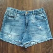 Фирменные джинсовые шорты на выбор победителя. Смотрите мои лоты