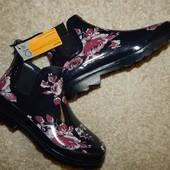 женские резиновые стильные ботинки от Intertek.
