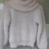 Очаровательный свитерок нежнее нежного в идеале