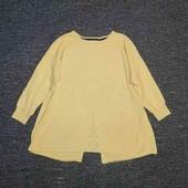Весенний нежный свитерок с оригинальной спинкой