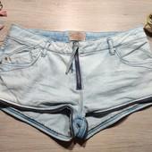 Бершка!!! Суперовые джинсовые шорты с интересным дизайном! 40 евро/12 размер!