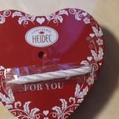 Готовим подарочки любимым женщинам Вкусненькие конфеты из молочного шоколада в форме сердечек