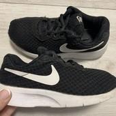Крутые кроссовки Nike оригинал 33 размер стелька 20,5см