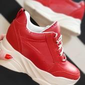 Красные Сникерсы кроссовки на весну, размеры 36,38!
