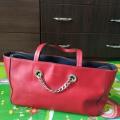 Красная вместительная сумка Fiorelli