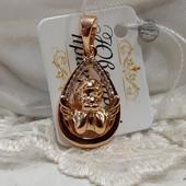 очень яркий шикарный 3D кулон ангелок, фианиты, позолота 585 пробы