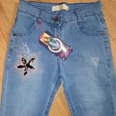 Супер джинсы для модняшки.со стразами.стрейчевые.пр-во турция.шикарные.рр.6-9 лет.есть замеры.