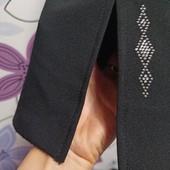 Штаны с красивыми декорированными разрезами